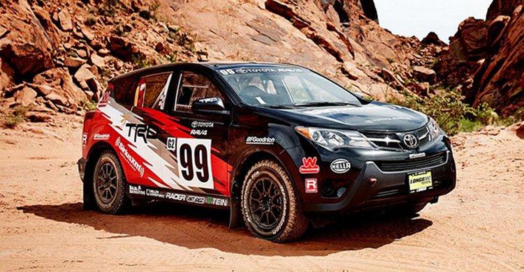 Toyota подготовила кроссовер RAV4 для участия в ралли