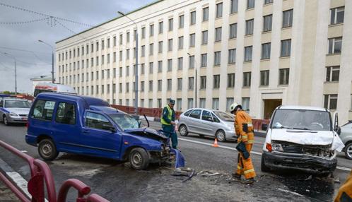 Лобовое столкновение в Минске на проспекте Независимости