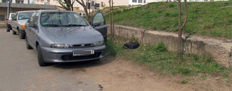 Автоугонщик оставил свои документы на месте преступления