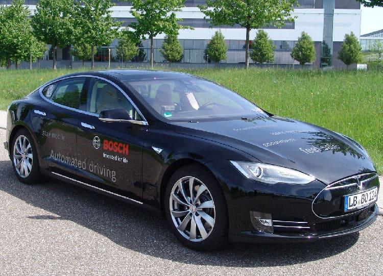 Оснащение Tesla Model S системой автономного вождения заняло 1400 человеко-часов и обошлось в 200 тыс. евро