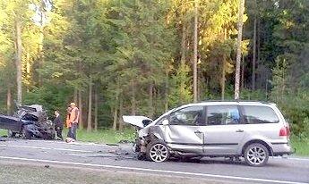 На трассе М1 произошло лобовое столкновение Volkswagen и Ford