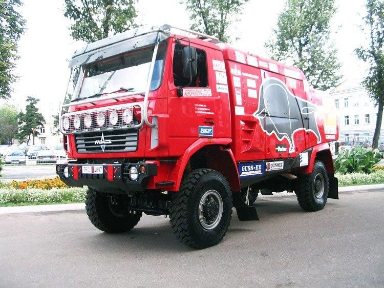 Боевой автомобиль команды МАЗ-5309 RR, ставший прототипом для макета