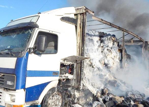 Вчера в Орше сгорел грузовой автомобиль Volvo