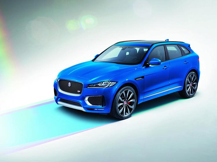 Кроссовер Jaguar подружился с крылатым металлом