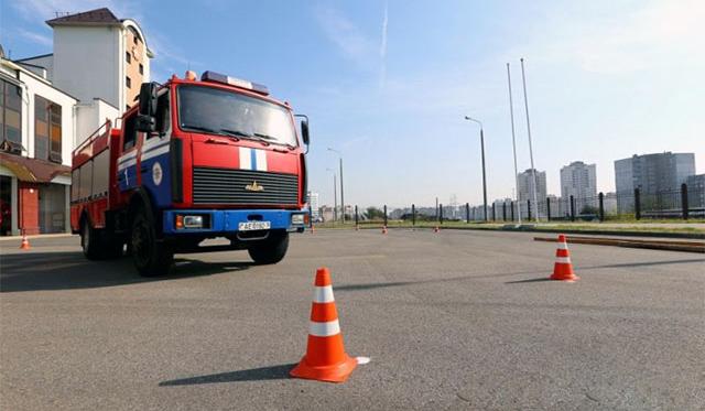 В Минске выбрали лучшего водителя пожарной машины