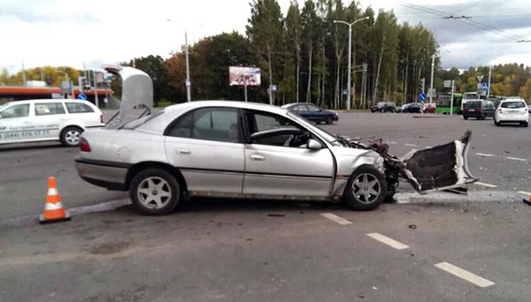На перекрестке в столице столкнулись Honda и Opel