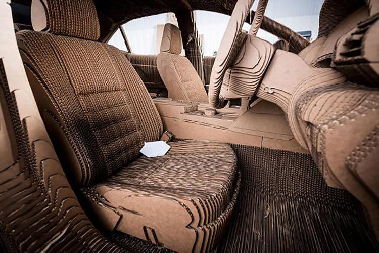 Lexus представил работающую картонную копию Lexus IS