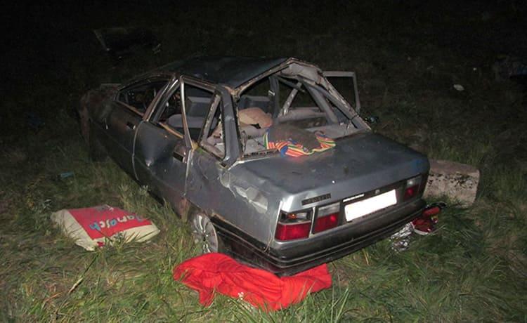 На М1 Renault вылетела в кювет: водитель погибла