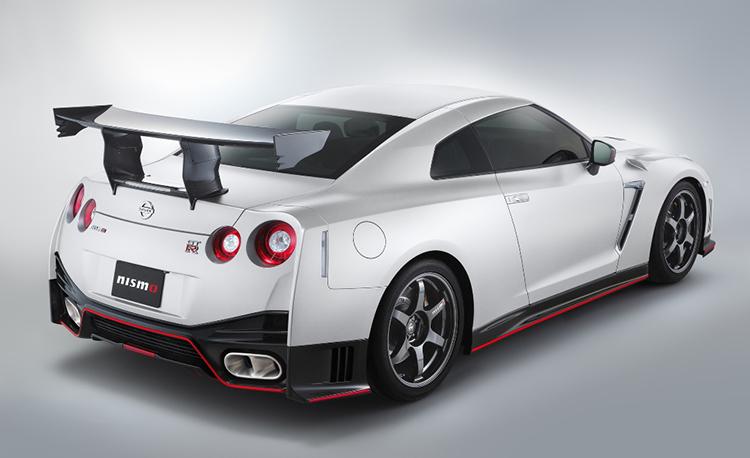 Самый быстрый в мире массовый автомобиль