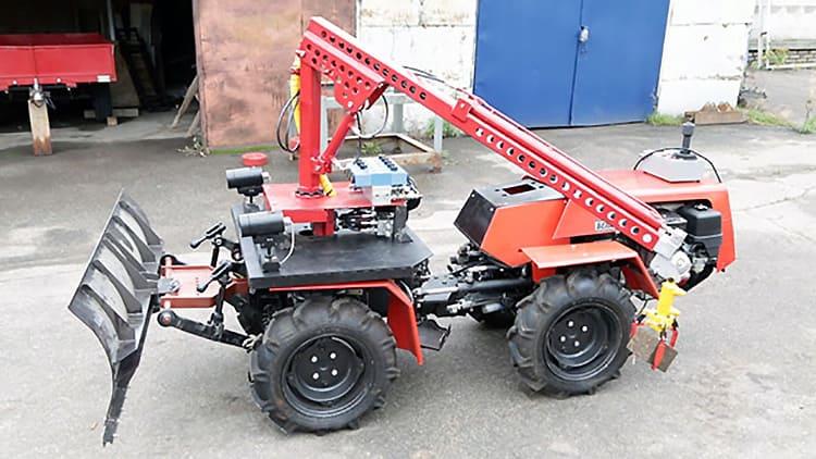 В БГУИР из трактора «Белорус-132» сделали робота