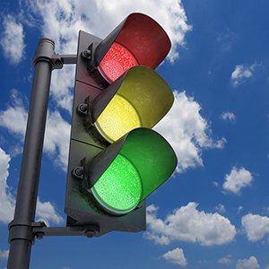 На проспекте Рокоссовского изменили режим работы светофора