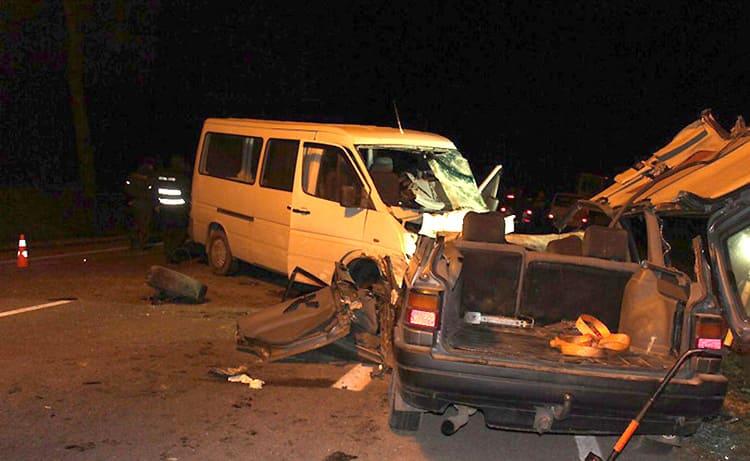 Страшная авария на Р44: погибла молодая женщина и ее двухлетний сын