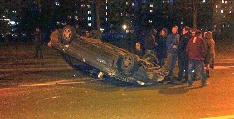 ДТП в Минске на перекрестке Голубева – пр. Газеты «Правда»: Ford перевернулся