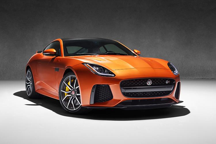 Jaguar F-Type отрастил клыки