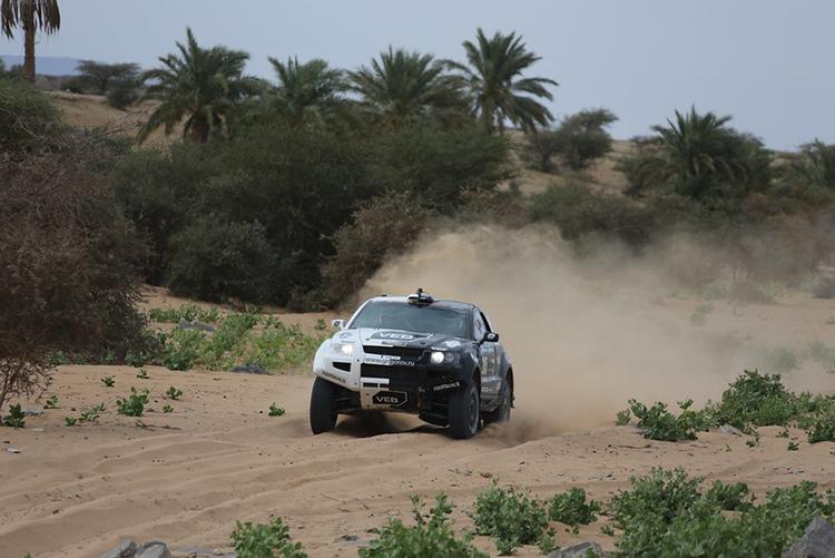«Африка Эко Рейс 2016»: За гранью риска – VEB Racing попадает в аварию!
