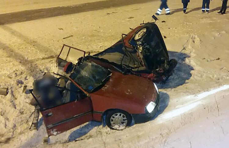 После ДТП водитель скрылся, бросив ребенка и погибшую пассажирку