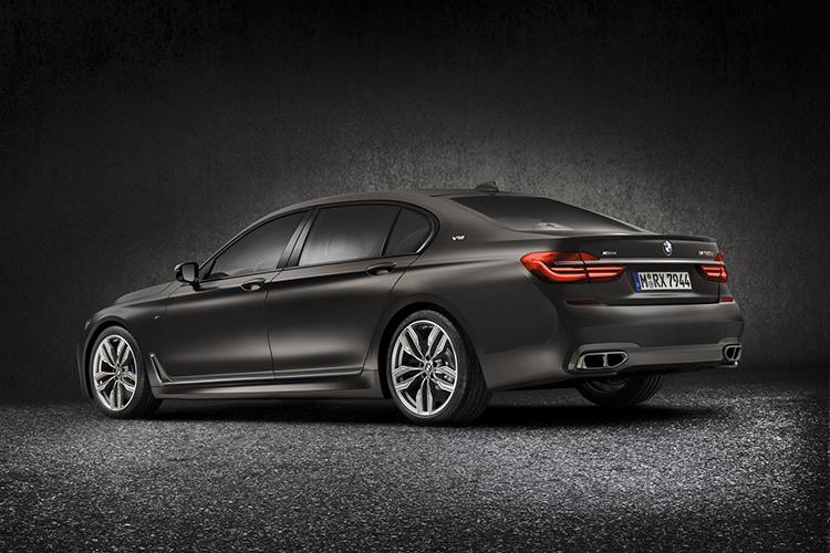 Топовый BMW 7-серии получил 600-сильный мотор