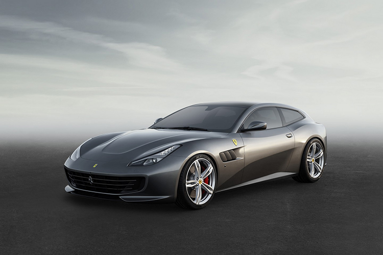 Флагман Ferrari прибавил в мощности и сменил название