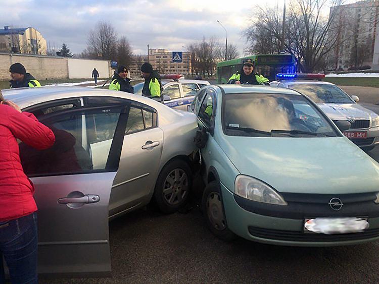 В Минске произошло ДТП с участием учебного автомобиля