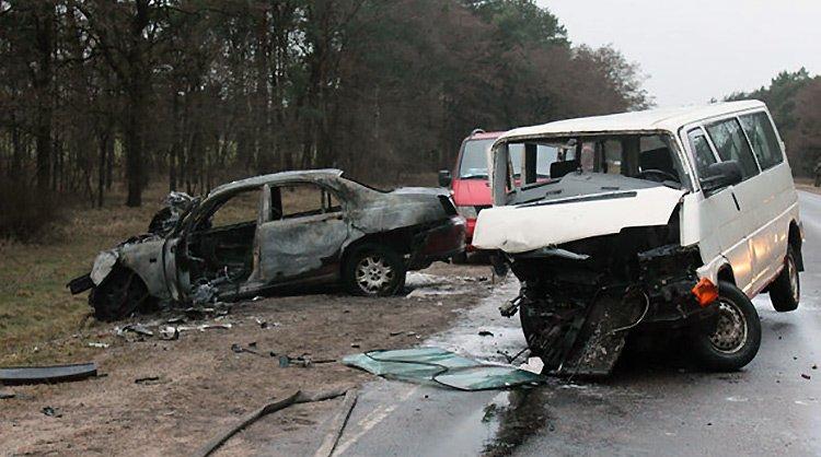 В Гродненском районе произошла двойная авария: 1 человек погиб