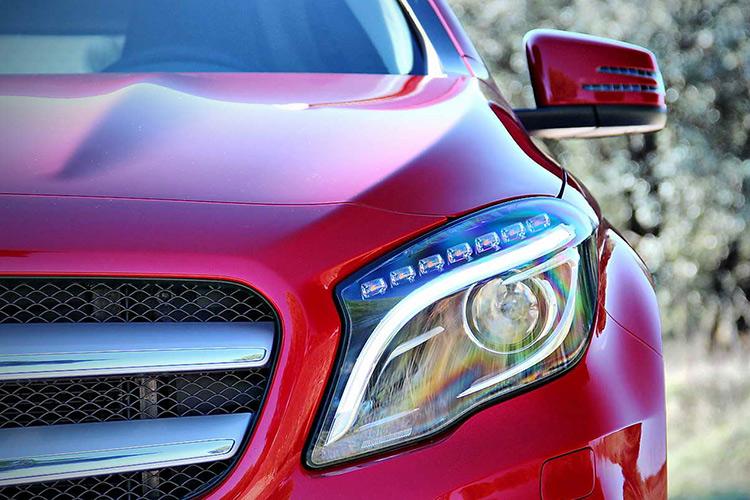 BMW X1 VS MERCEDES GLA: СПОР НА РАВНЫХ
