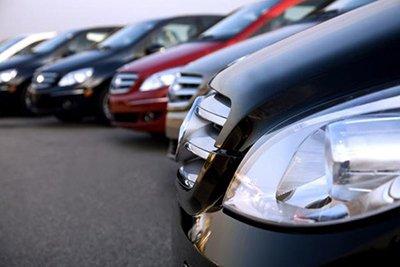 Руководитель автохауса погашал свои долги за счет клиентов