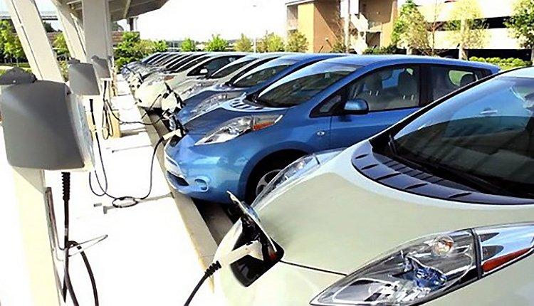 Электромобили могут стать причиной падения цен на нефть