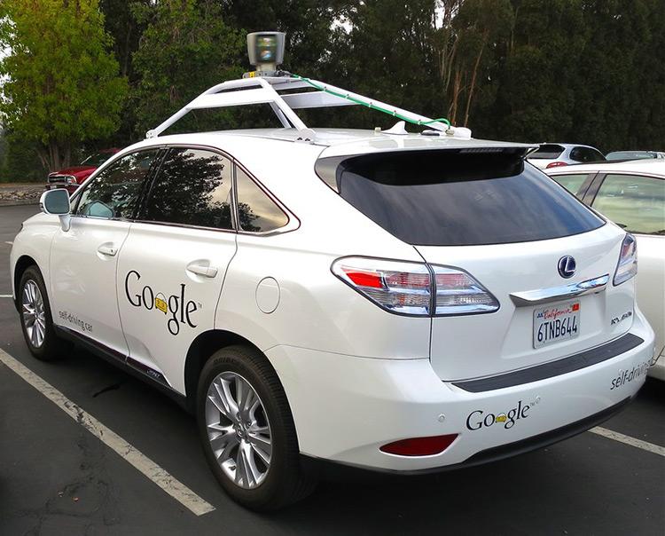 Беспилотный Lexus Google стал виновником аварии в Калифорнии