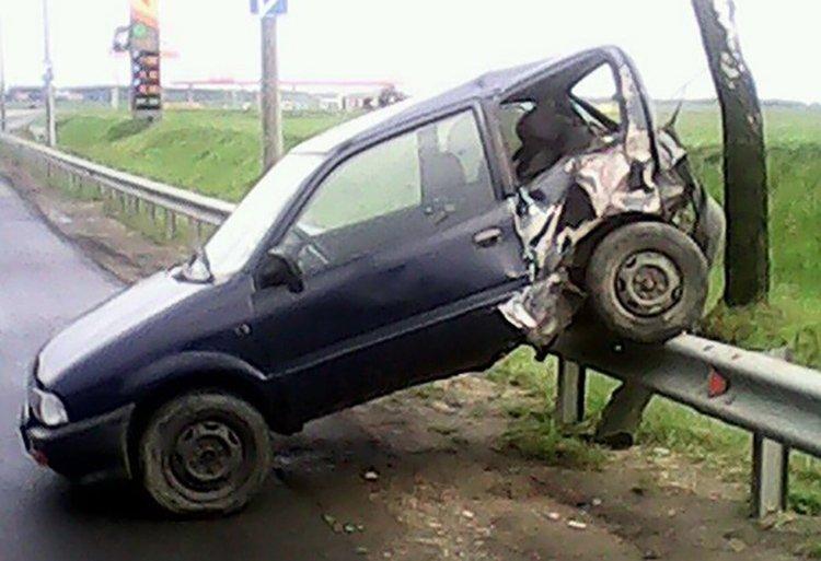 На МКАД BMW протаранила Suzuki, который отбросило на ограждение