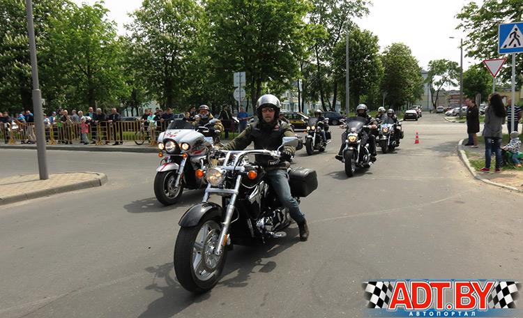 """Поддержать выступление автоспортсменов приехали байкеры мотоклуба """"Iron Pride"""""""