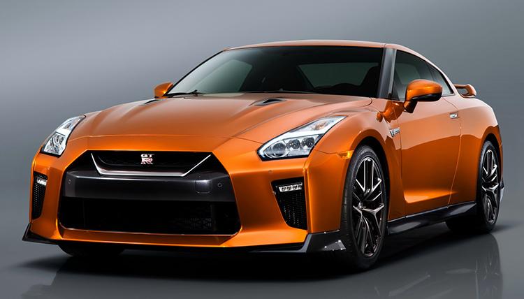 Nissan GT-R может стать гибридом