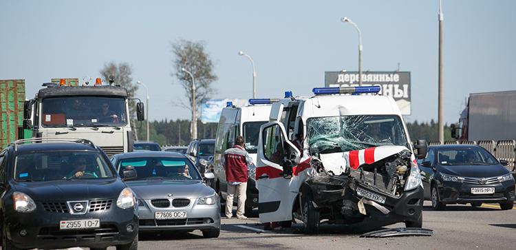 На МКАД произошло ДТП с участием автомобиля скорой помощи