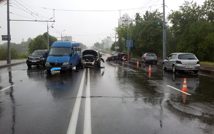 В Гродно произошло ДТП на мосту через Неман