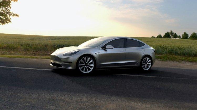 Владельцев Tesla Model 3лишат бесплатных «заправок»