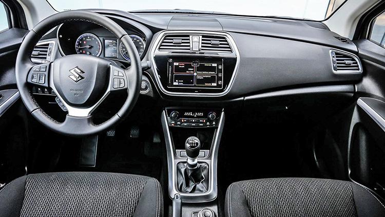 Suzuki SX4 сменил лицо