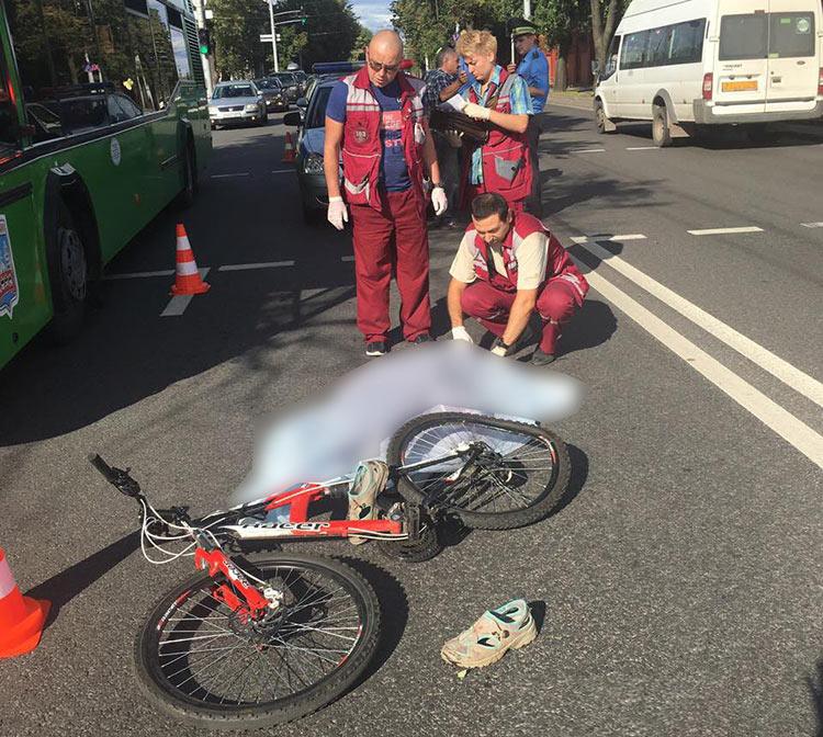 В Минске грузовик насмерть сбил велосипедистку