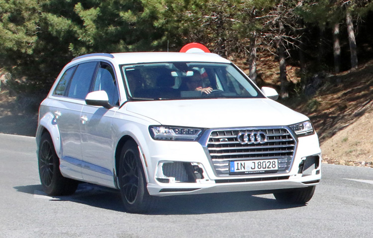 Audi Q8 проходит дорожные тесты