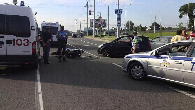 В Минске женщина на Citroen не заметила мотоциклиста