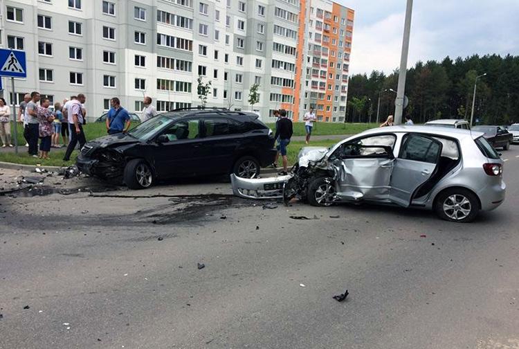 ДТП с участием Volkswagen и Lexus в Копище.