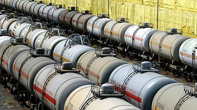 С 1 сентября снизятся экспортные пошлины на нефть