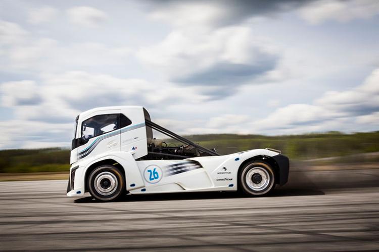 «Железный рыцарь» от Volvo Trucks установил два мировых рекорда
