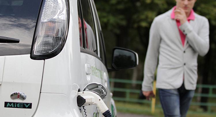 Таможенные пошлины на ввоз электромобилей отменили, а НДС придется заплатить