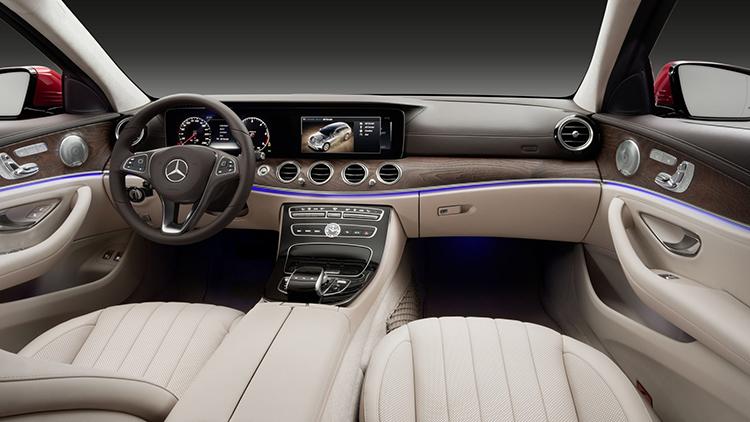 Mercedes E-класса подался в кроссоверы