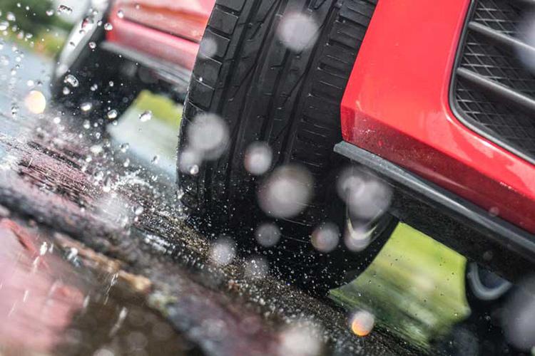 Новая Nokian Hakka Blue 2 — безопасное и сбалансированное вождение на мокрой дороге