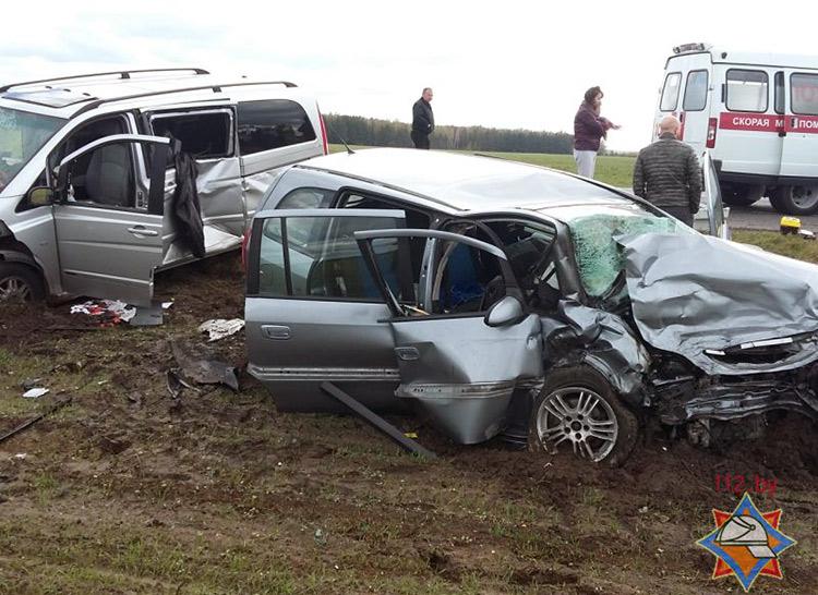 На трассе М10 в результате ДТП погибло два человека