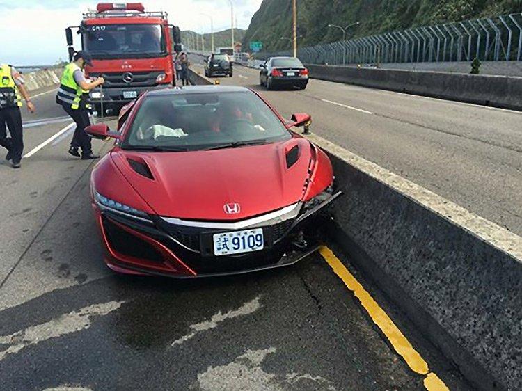 Журналист разбил единственный экземпляр спорткара Honda NSX