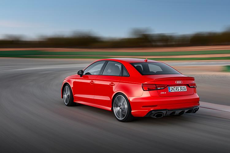 Audi RS3 облекся в четырехдверный кузов