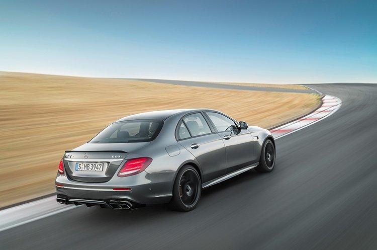 Новый Mercedes-AMG E 63 научился дрифтить