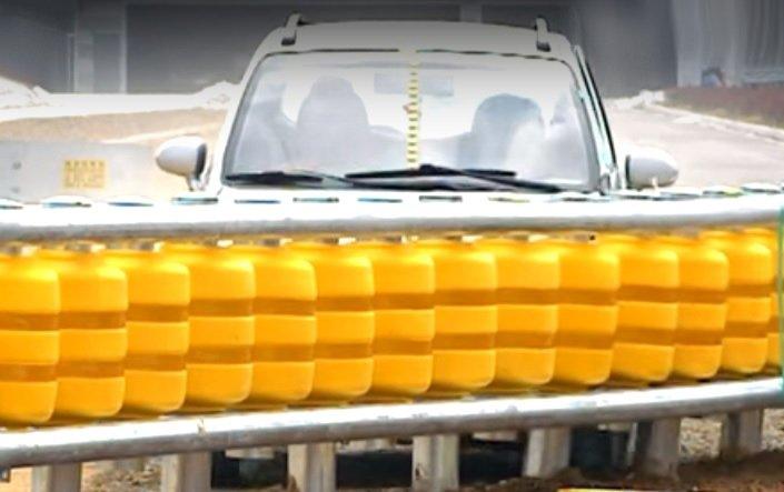 Корейцы изобрели отбойник, который почти не наносит вреда автомобилю