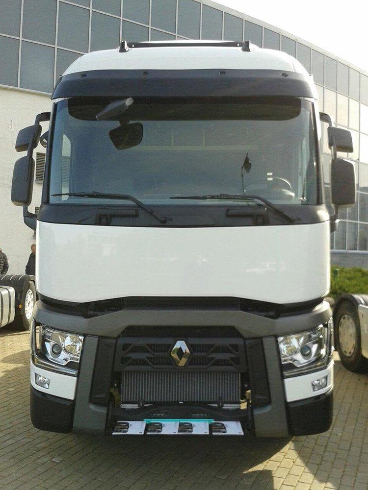 На выставку «Транспорт и логистика-2016» приехал магистральный тягач Renault T